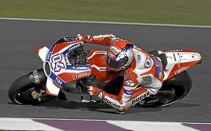 Dovizioso logra la ´pole´ por delante de Rossi y Lorenzo.