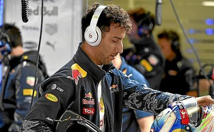 Tras la sanción a Vettel, Ricciardo sube a la tercera plaza.