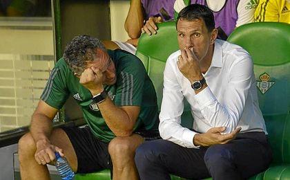 Poyet seguirá dirigiendo al Betis, al menos, ante el Villarreal