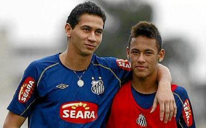Neymar y Ganso explotaron en el Santos, con el que ganaron el Paulista y la Copa de Brasil en 2010.