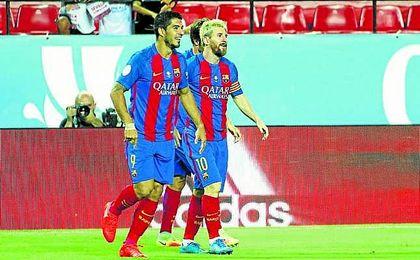 Suárez y Messi, en la ida de la Supercopa en Nervión.