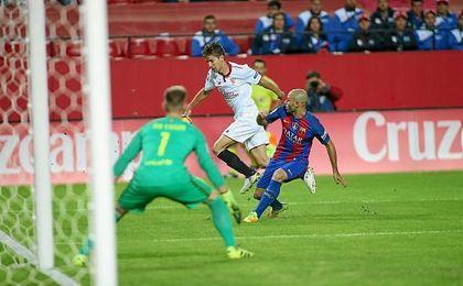 Luciano Vietto realizó tres disparos ante el Barça, pero ninguno de ellos encontró portería.