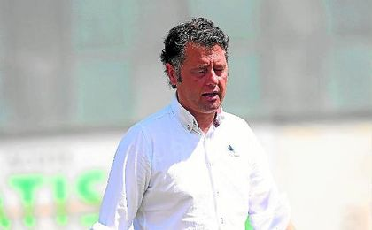 En la imagen, Paco Cala, entrenador del Antoniano.