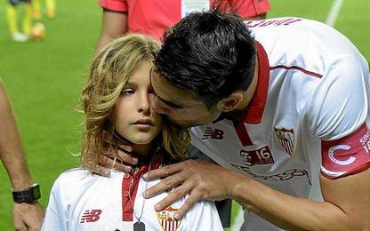 Iborra, con Aitor, el hijo de Antonio Puerta.