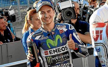 Lorenzo se despide de Yamaha con una victoria en Cheste.