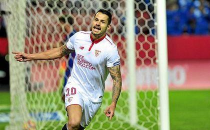 Vitolo celebra su gol al Barcelona.