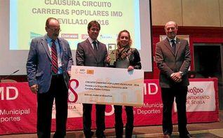 El Ayuntamiento entrega los premios a los mejores corredores del Circuito #Sevilla10
