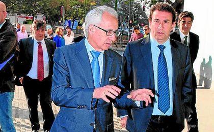 Martínez Feria, López Catalán y Haro (al fondo), durante el juicio concursal.