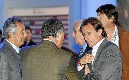 Alfonso, en el palco vip del Bernabéu.