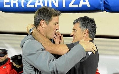 Berizzo ya le opuso cinco defensas al Eibar.