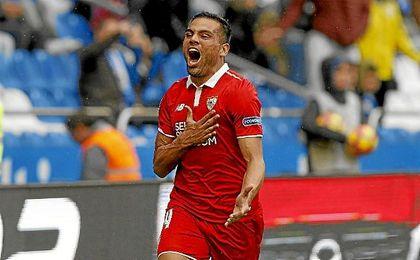 Mercado hizo el gol del triunfo sevillista en Riazor en el tiempo añadido.
