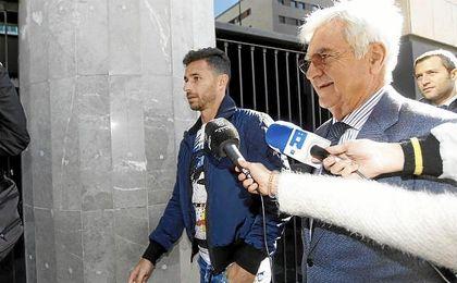 Rubén Castro, a la entrada de los Juzgados.