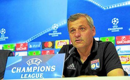 Genesio, entrenador del Lyon, en una rueda de prensa en el Sánchez Pizjuán.