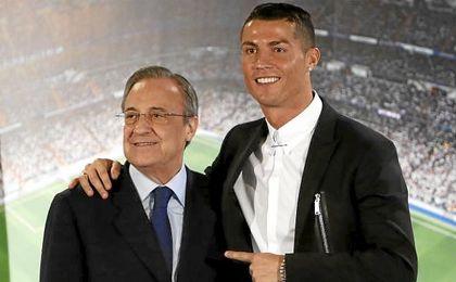 Florentino y Cristiano, durante la última renovación del portugués.