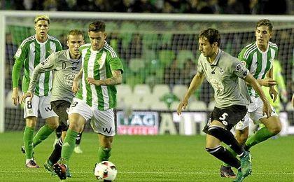 Sanabria se estrenó con el Betis marcando el tanto de la victoria.