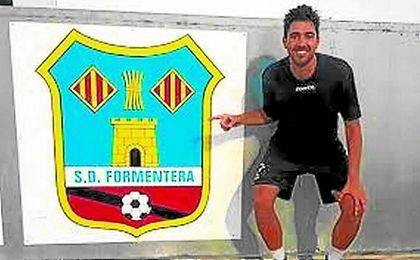 El coriano Juan Antonio, a su llegada al Formentera.