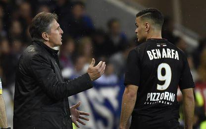 Puel da instrucciones a Ben Arfa en el Niza.