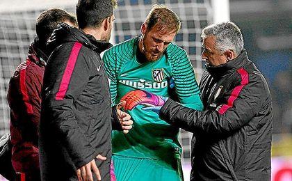 Oblak se lesionó en el partido ante el Villarreal.