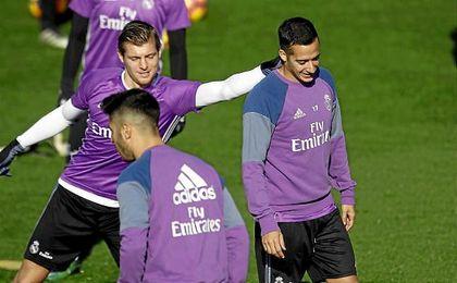 Lucas Vázquez vuelve al grupo y podría estar ante el Sevilla