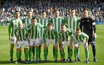 La formación del Betis ante el Barça.