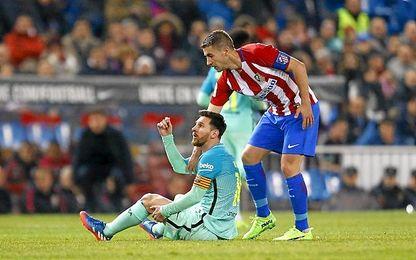 Messi pide amarilla para Gabi.