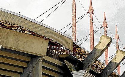El estadio coruñés ha sufrido los efectos del temporal que azota Galicia.