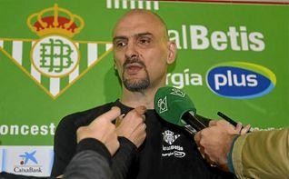 Tabak explota contra los árbitros en Zaragoza
