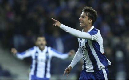 Óliver Torres, celebrando un gol con el Oporto.