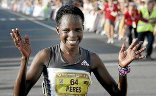 La keniana Peres Jepchirchir bate el récord del mundo de medio maratón
