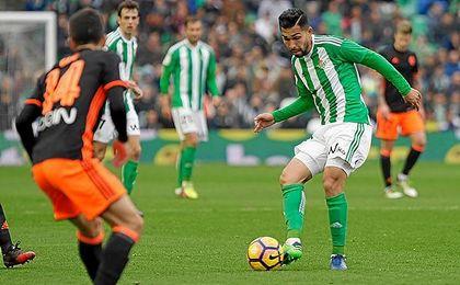 Petros, en un lance del partido ante el Valencia.