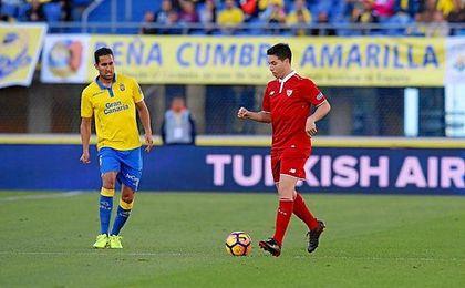 Nasri conduce el balón ante Las Palmas.