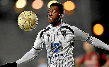 Henry Onyekuru está cuajando una gran temporada en el KAS Eupen belga.
