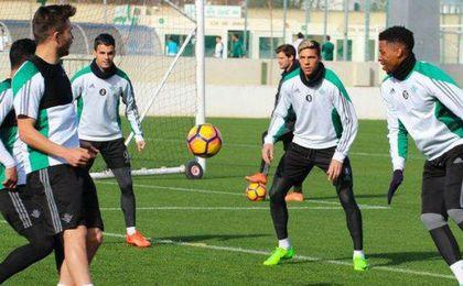 Joaquín, Rafa Navarro y José Carlos, ausencias en el entrenamiento del Betis