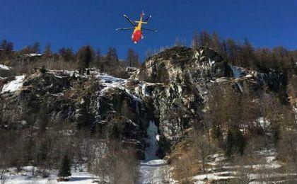 Mueren 4 alpinistas italianos al desprenderse cascada de hielo que escalaban