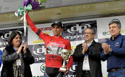 Contador se enfundó el jersey rojo de líder de la Vuelta a Andalucía.