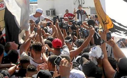 Imagen de la recepción a Luis Fabiano.