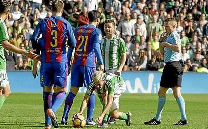 El árbitro de 'los goles fantasma', para el Málaga-Betis
