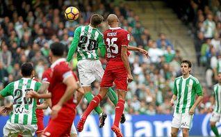 El Sevilla gana por centímetros