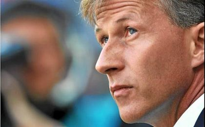 El Wolfsburgo ficha como técnico a Jonker, exauxiliar de Van Gaal