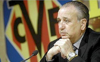 Roig dice que el equipo arbitral salió del estadio con bolsas del Real Madrid