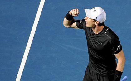 Murray salva siete puntos de partido ante Kohlschreiber y llega a cuartos de Dubai
