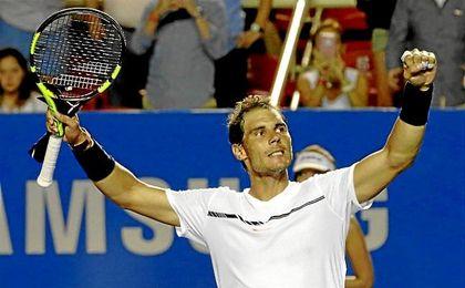 Nadal celebra su triunfo ante Cilic y pase a la final de Acapulco.