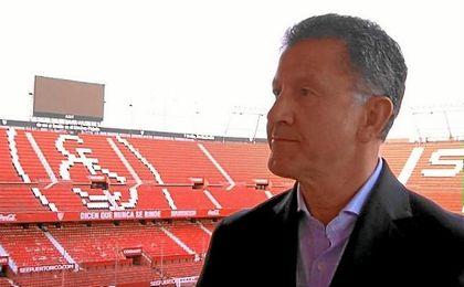 Osorio, seleccionador de México, en el Sánchez-Pizjuán.