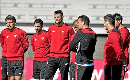El cuerpo técnico de Sampaoli trabaja para que el Sevilla recupere el buen tono de juego.