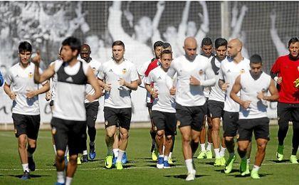 El Valencia prepara el choque frente al Sporting