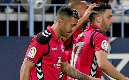 El Alavés amarga el debut de Míchel.