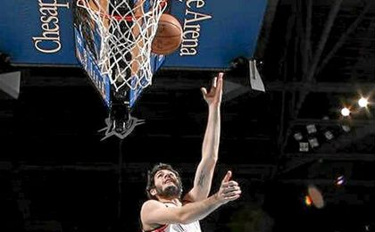 Willy logra doble-doble en triunfo de Knicks y Abrines 13 tantos con Thunder