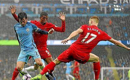 Silva, en un lance del partido ante el Liverpool.