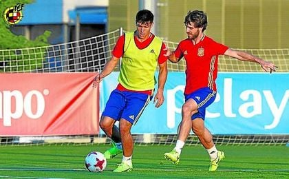 El sevillista Diego González, durante el entrenamiento de ayer de la selección sub 21.