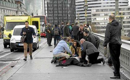 """La Policía confirma siete detenidos y pide a los medios que """"no identifiquen"""" al """"atacante"""""""